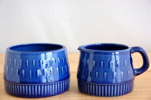 デンマークで見つけたクリーマー&シュガーポットのセット(ブルー)の商品写真