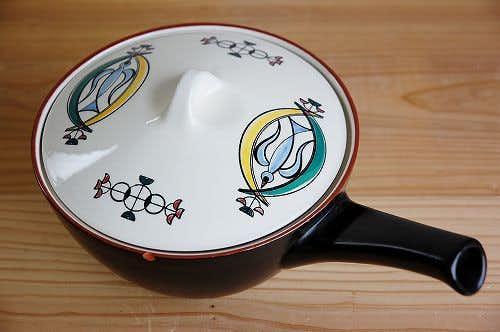 デンマークで見つけた小鳥の絵柄が愛らしい陶器の片手鍋の商品写真