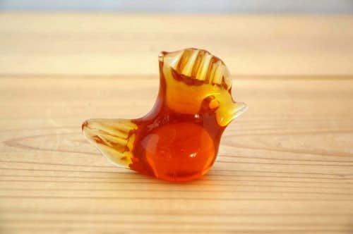 スウェーデンで見つけたガラスでできた小鳥のオブジェ(ニワトリ)の商品写真