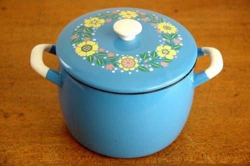 KOCKUMS/コクムス/ホーロー両手鍋(水色花柄)の商品写真