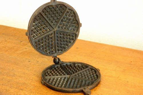 これはレア!!KOCKUMS/コクムス/古い鉄製のワッフルメーカーの商品写真