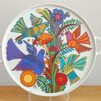 スウェーデンで見つけた小鳥の絵柄がカラフルな陶器のトレーの商品写真