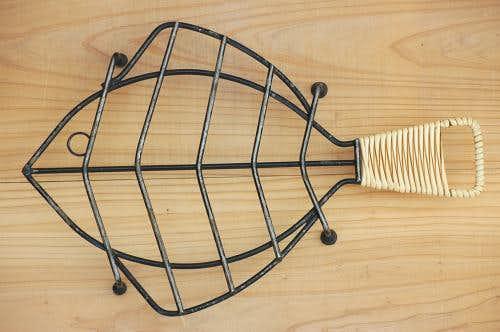 スウェーデンで見つけたお魚型の鍋敷きの商品写真
