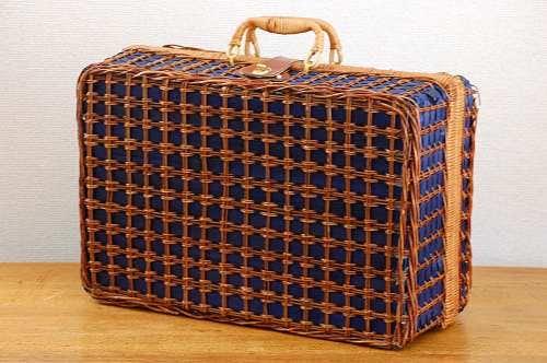 これは珍しい!!スウェーデンからやってきたピクニックバスケットの商品写真