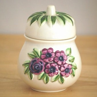 Rosa Ljungデザイン/陶器の洋ナシ型キャニスターの商品写真