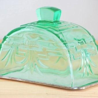 スウェーデンで見つけた古いチーズドーム(グリーンのガラス)の商品写真