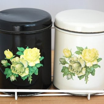 デンマーク製/ブリキのキッチンキャニスター2個セット(ワイヤーラック付き)の商品写真