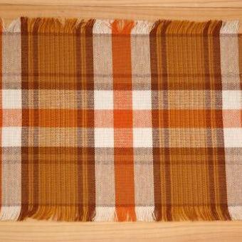 スウェーデンで見つけた織センタークロス(ブラウン、チェック模様)の商品写真