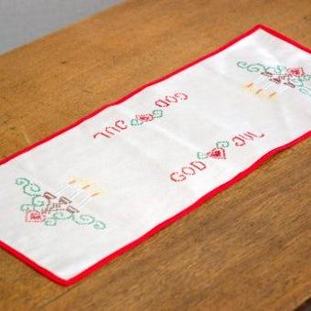 クリスマス!!/スウェーデンで見つけたテーブルランナー(ベージュ&赤い縁取り、God Jul)の商品写真