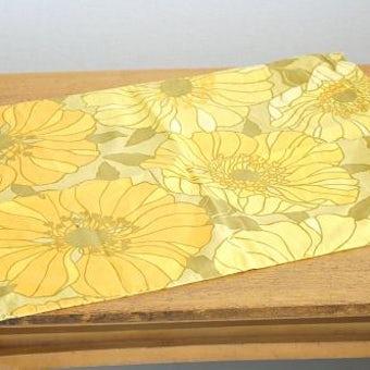 スウェーデンで見つけたクッションカバー(オレンジ花柄)の商品写真