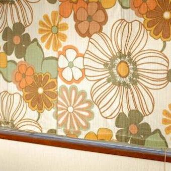 スウェーデンで見つけたヴィンテージカーテン2枚セット(花柄)の商品写真