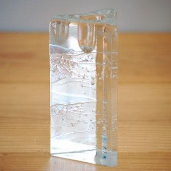 フィンランド/iittala/イッタラ/クリスタルガラスのキャンドルスタンド(三角柱)の商品写真