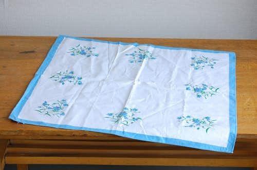 スウェーデンで見つけたセンタークロス(ホワイト&ブルー花柄)の商品写真