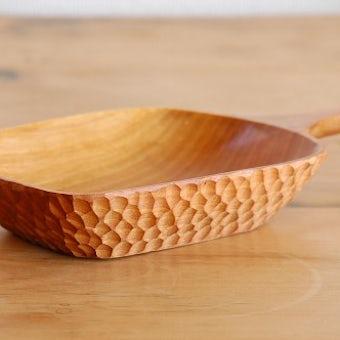 スウェーデンで見つけたハンドル付き木の器(ボウル)の商品写真