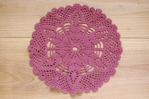 スウェーデンで見つけた手編みドイリー(1)の商品写真