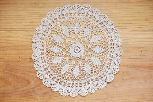スウェーデンで見つけた手編みドイリー(2)の商品写真