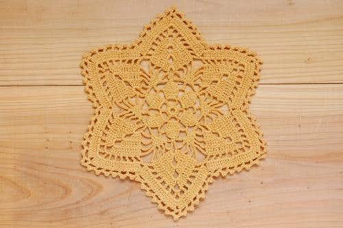 スウェーデンで見つけた手編みドイリー(3)の商品写真