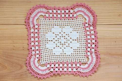 スウェーデンで見つけた手編みドイリー(4)の商品写真