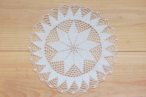 スウェーデンで見つけた手編みドイリー(5)の商品写真