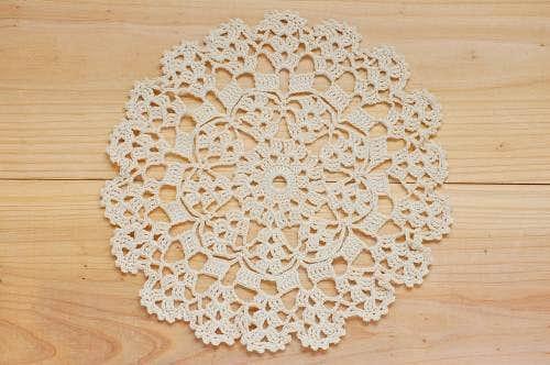 スウェーデンで見つけた手編みドイリー(6)の商品写真