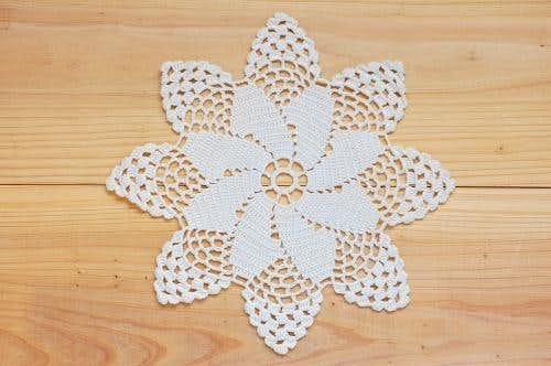 スウェーデンで見つけた手編みドイリー(7)の商品写真