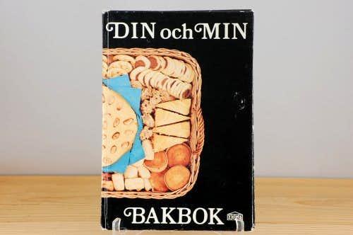 スウェーデンで見つけた古い本(あなたと私の焼き菓子ブック)の商品写真