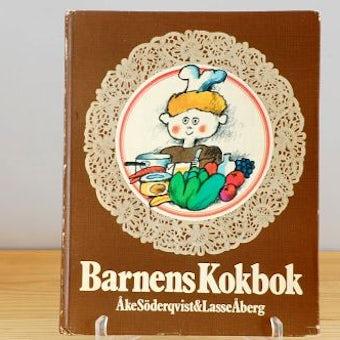 スウェーデンで見つけた古い本(子どものお料理)の商品写真