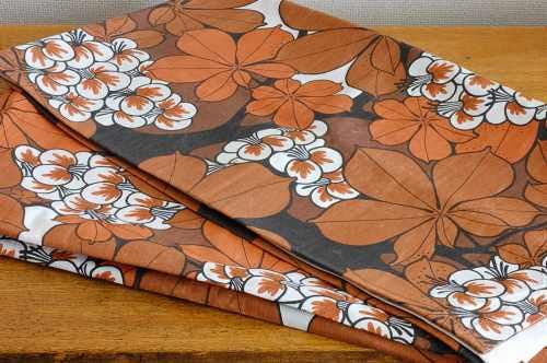 スウェーデンで見つけたヴィンテージカーテン2枚セット(ブラウンお花模様)の商品写真