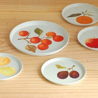 デンマークで見つけたブリキのコースター大小5枚セット(果実)の商品写真