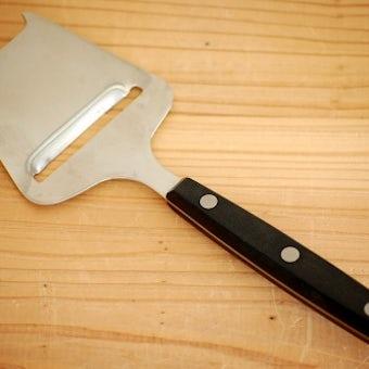 スウェーデンで見つけたステンレスのチーズスライサーの商品写真