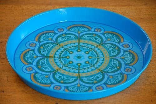 スウェーデンで見つけたブリキのトレー(ブルーお花)の商品写真