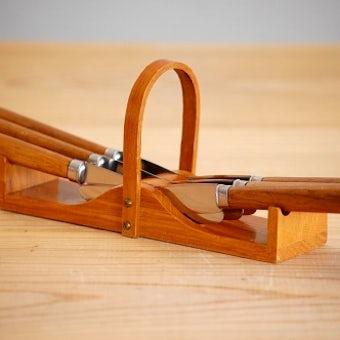 スウェーデンで見つけた木製台付きカトラリーセットの商品写真
