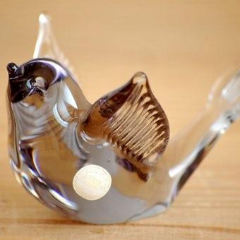 スウェーデンで見つけたガラスの小鳥オブジェ(グレー)の商品写真
