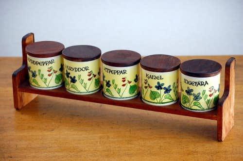 スウェーデン/JIE釜/スパイスポット/木蓋付きハーブポット5個セット(木製ラック付)の商品写真