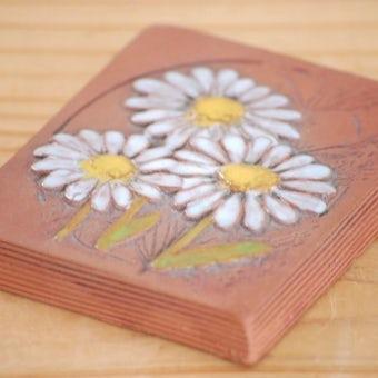 スウェーデン/JIE釜/陶板の小さな壁飾り(白いお花)の商品写真