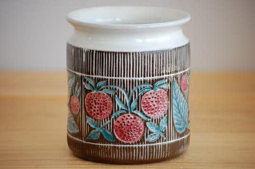 Upsala Ekeby/ウプサラエクビイ/Mari Simmulson/イチゴ模様のジャムポットの商品写真