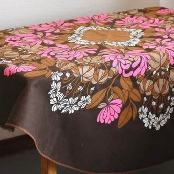 スウェーデンで見つけたテーブルクロス(ブラウン・丸型)の商品写真