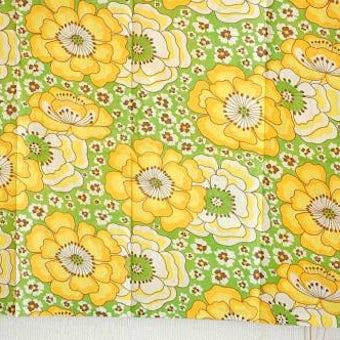 スウェーデンで見つけたカーテン2枚セット(イエロー・花柄)の商品写真