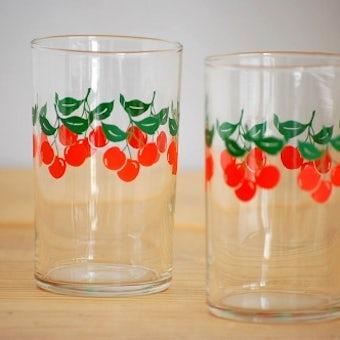 スウェーデンで見つけたウォーターグラス2個セット(さくらんぼ)の商品写真