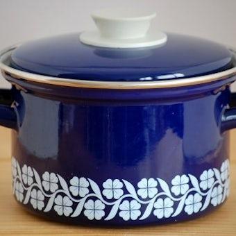 スウェーデンで見つけたホーロー両手鍋(ブルー・クローバー柄)の商品写真