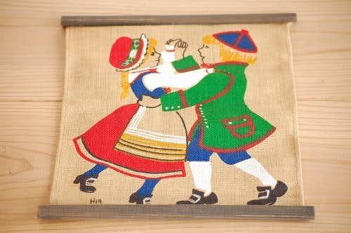 スウェーデンで見つけたタペストリー(ダンス)の商品写真