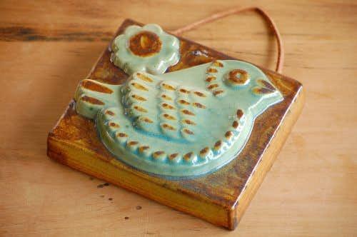 スウェーデンで見つけた陶板の壁飾り(小鳥)の商品写真