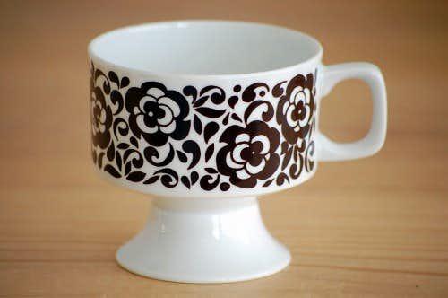 スウェーデンで見つけたコーヒーカップ(ブラウン・花柄)/ソーサーなしの商品写真
