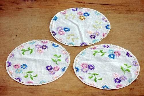 スウェーデンで見つけたお花の刺繍が可愛いセンタークロス3枚セットの商品写真