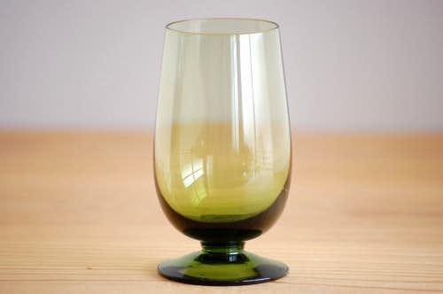 スウェーデンで見つけたワイングラス(グリーン)の商品写真