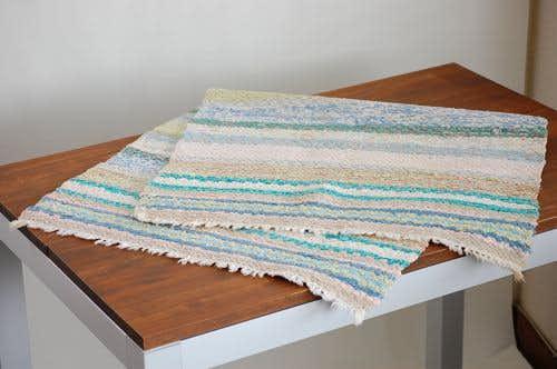 スウェーデンで見つけた織マット(パステルグリーン)の商品写真