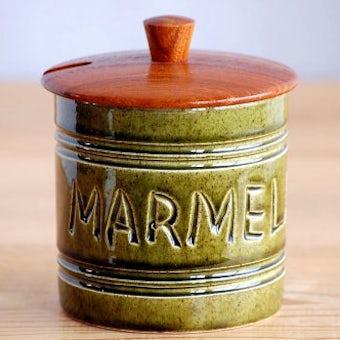 スウェーデンで見つけた木蓋付き陶器のマーマレードポットの商品写真