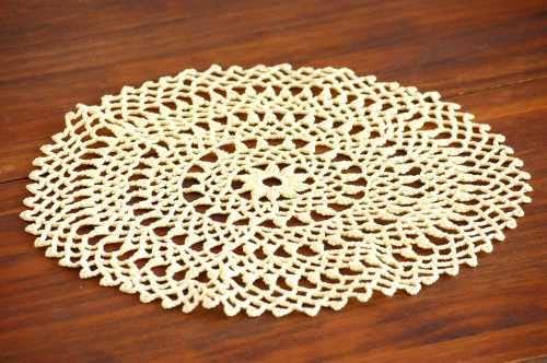 スウェーデンで見つけた手編みドイリー(イエロー・ラウンド)の商品写真