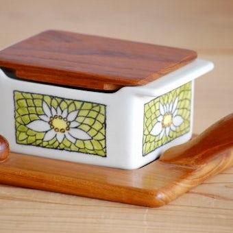 スウェーデン/JIE/木製トレー&木蓋付きの可愛いバターケースの商品写真
