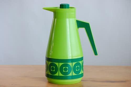 スウェーデンで見つけたプラスティック製ヴィンテージ魔法瓶(グリーン)の商品写真